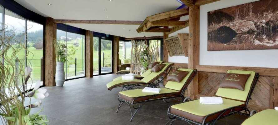 Hotellets wellnessafdeling byder bl.a. på sauna, dampbad og relax-område med tebar.