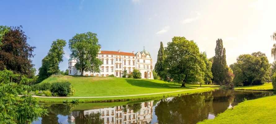 Celle byder jer velkommen til hyggelige gader med bindingsværkshuse og det flotte slot med de omgivende haver.