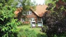 Der Brunnenhof hat eine landschaftlich reizvolle Lage in der Lüneburger Heide in Niedersachsen.