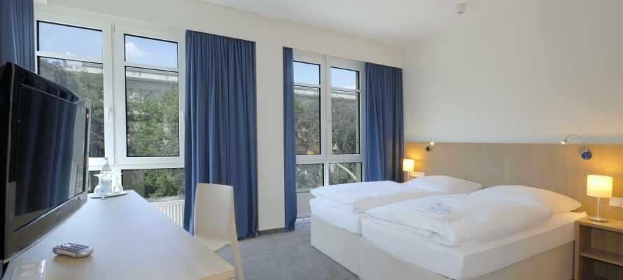 Hotellets værelser er totalrenoverede og tilbyder komfortable rammer for opholdet.