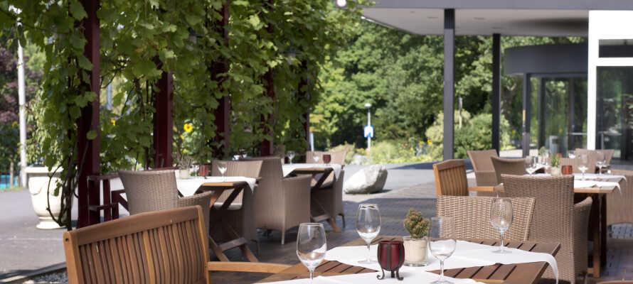 Hotellet rommer hele to restauranter og en stor hyggelig bar.