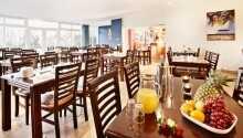 På hotellet kan ni äta gott och njuta av en trevlig atmosfär.