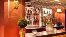 Am Abend können Sie im Hotelrestaurant sehr gut essen oder ein Getränk in der Hotelbar bekommen.