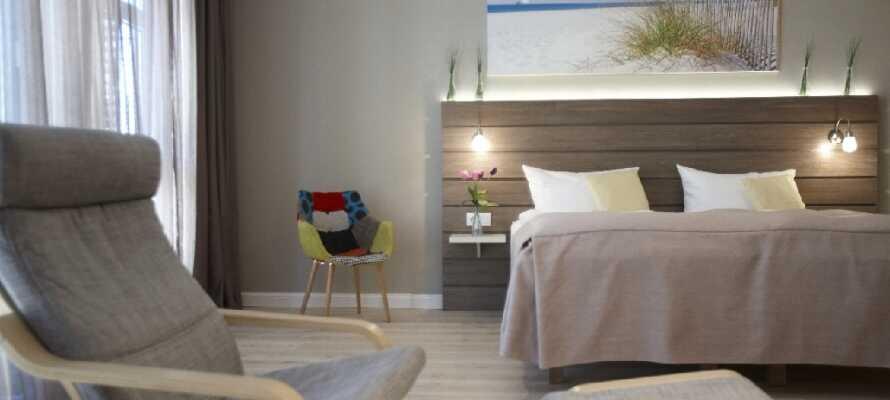 Hotellets flotte og lyse værelser er renoveret i 2016, ogo udgør et behageligt udgangspunkt for Jeres phold.