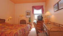 Dere vil raskt finne dere til rette på et av hotellets hyggelige dobbeltrom.