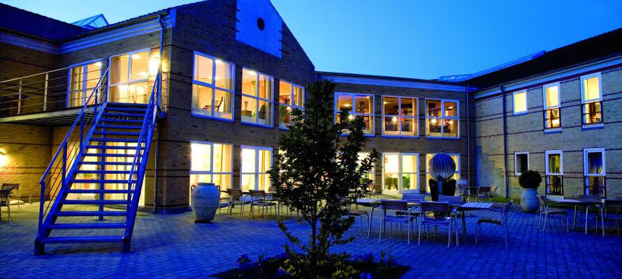Velkommen til Montra Odder Parkhotel, som ligger sentralt i byen Odder.