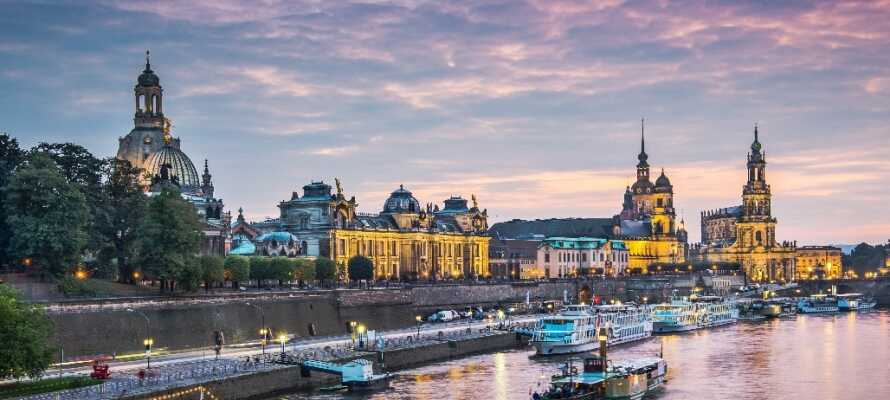 Dere bor litt utenfor Dresden, hvor dere kan oppleve flotte bygninger og byen som kalles Elbens Firenze.