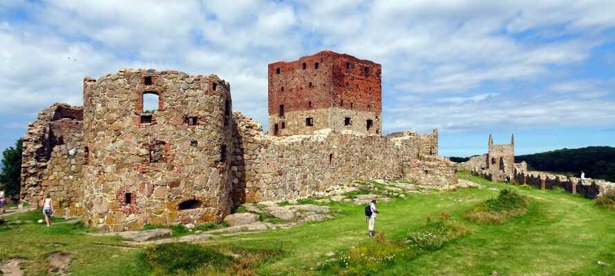 Skandinaviens größte Burgruine liegt in der nordwestlichen Ecke von Bornholm.