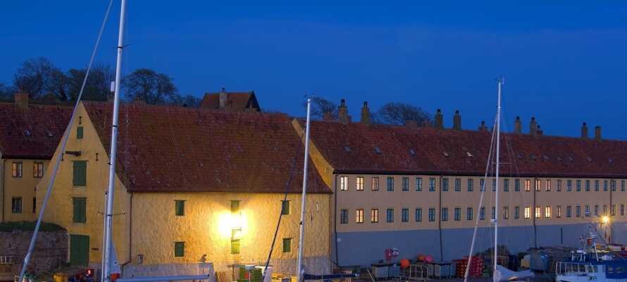 Besuchen Sie die kleine Insel, Dänemarks östlichsten Punkt, der sehr geschichtsträchtig ist.