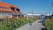 Willkommen in Hotel Siemsens Gaard, das sich am Hafen von Svaneke befindet.