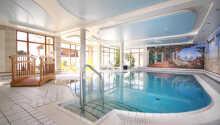 Under opholdet kan I frit benytte Jer af hotellets lækre pool og nyde andre forskellige wellnesstilbud.