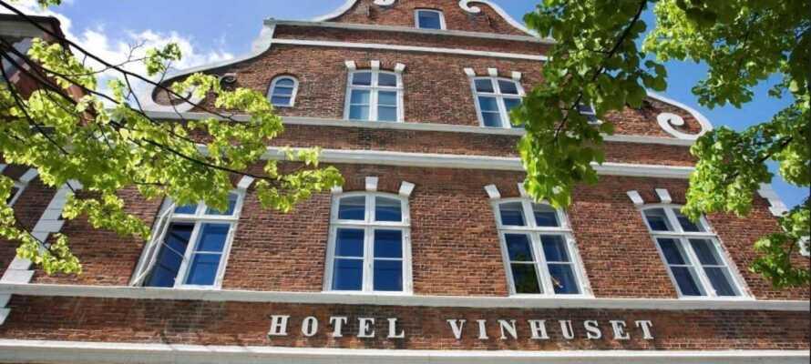 Hotel Vinhuset er at finde i centrum af Næstved – ikke langt fra shopping, caféer og togstationen.