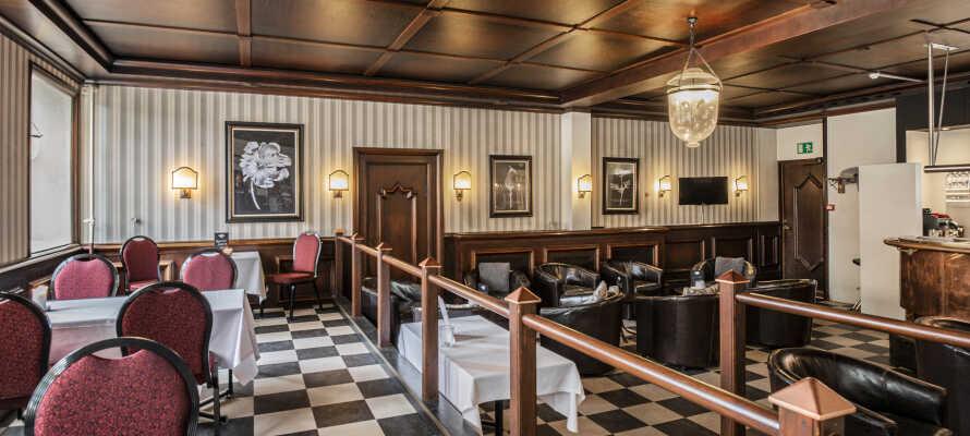 Einen erholsamen Abend können Sie in der Hotelbar geniessen.