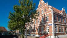 Die historische Hotelfassade