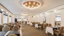 Spis middag i hotellets Restaurant Bytinget