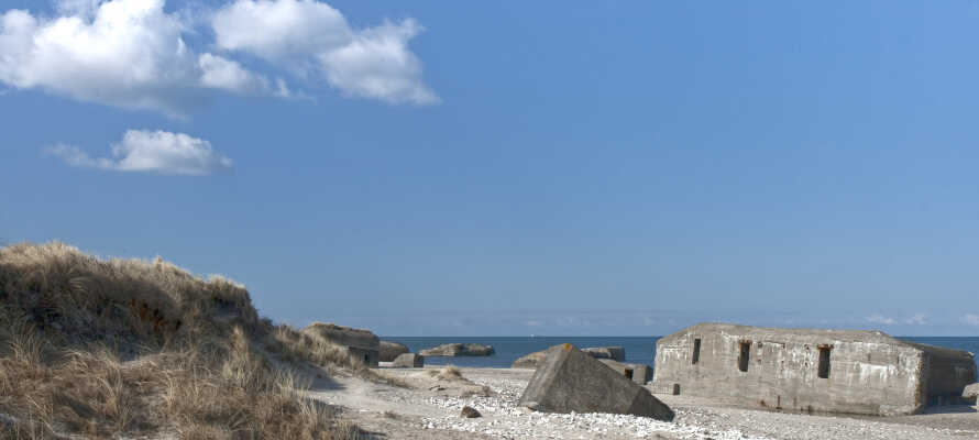 Das Hotel liegt nur einen Steinwurf von der Nordsee und historischen Bunkern entfernt. Die Bunker findet man entlang der Küste.
