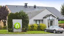 Hotellet ligger nord for Caen i den hyggelige by Herouville-Saint-Clairca