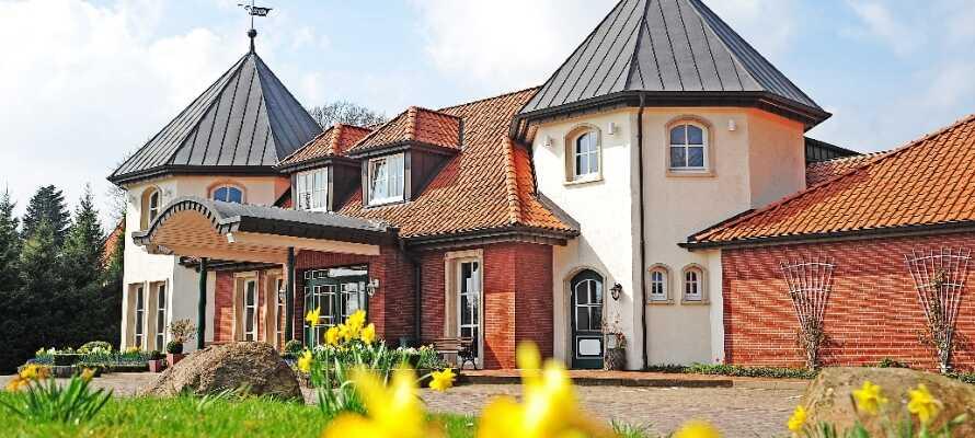 Landgut Stemmen ligger i den lille landsby Stemmen med fornuftig afstand til storbyerne Hamburg og Bremen.