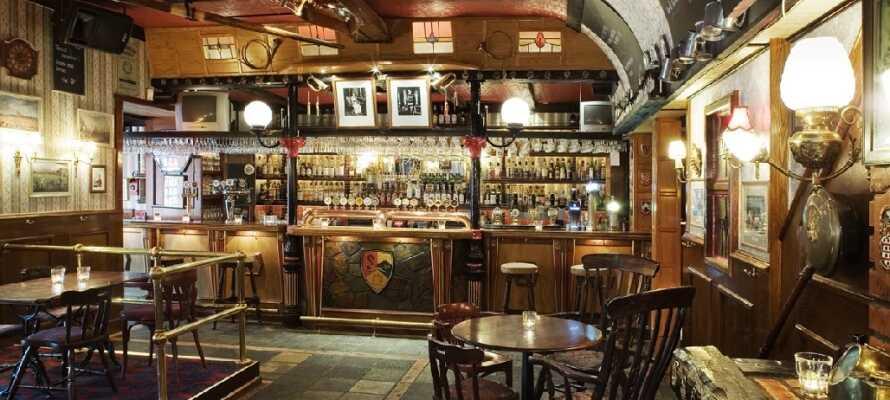 Etter en lang dag full av spennende opplevelser kan dere slappe av i saunaen eller ta en drink i hotellets hyggelige bar.