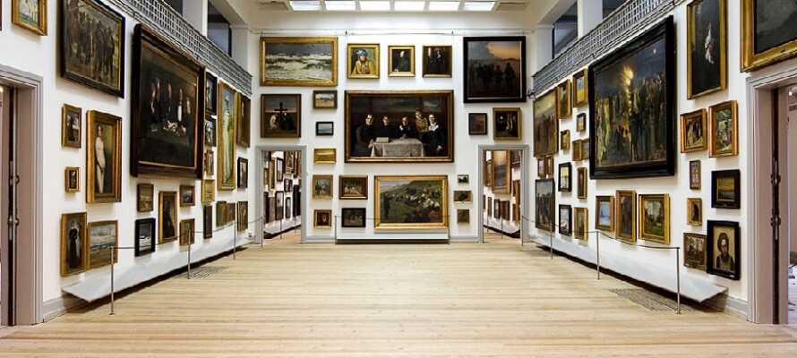 På Skagens Museum kan dere oppleve mange av de kjente Skagenmalernes verker.