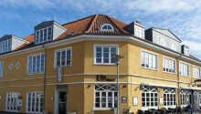 Foldens Hotel ligger midt i Skagen, så dere kan nyte den hyggelige byen.