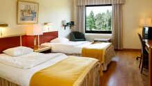 Bo i inbjudande och varmt inredda rum under er semester.