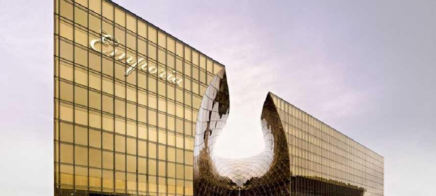 Besøk Emporia som har 200 butikker, inkludert underholdning og restauranter
