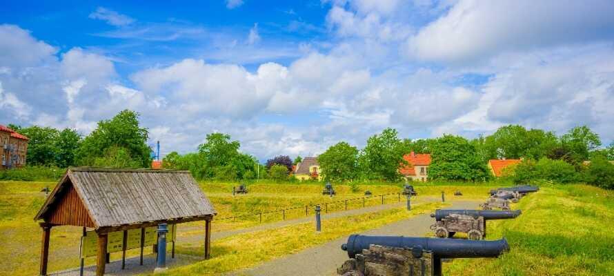 Dra på utflukt til den historiske festningsbyen, Kristianstad, grunnlagt av den danske kongen Christian IV.