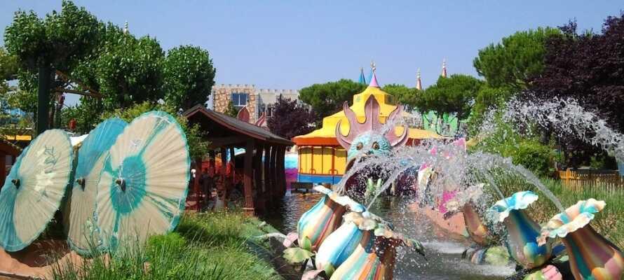 För fart och fläkt kan ni bege er till Rimini Fiabilandia där ni kan få en dag med äventyr.