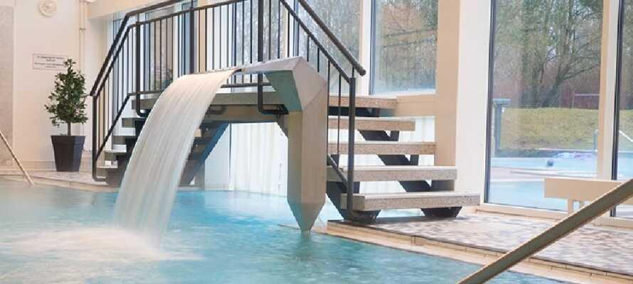 Hotellets stora dragplåster är den stora 700 m² wellnessavdelningen med spa, skönhetsbehandlingar och swimmingpool.
