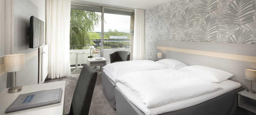 Här bor ni i bekväma hotellrum och erbjuds god sömn och en bra utgångspunkt.