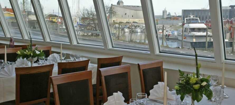 Den hyggelige Restaurant Quintus har udsigt over den gamle lystbådehavn og byder på en stemningsfuld oplevelse.