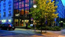 Das Victors's Residenz-Hotel Berlin genießt eine ruhige Lage direkt am Volkspark Friedrichschain in der Nähe der Berliner Innenstadt.