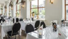 Spis middag i flotte restauranten