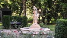 Der Schlosspark ist Teil vom Hotel