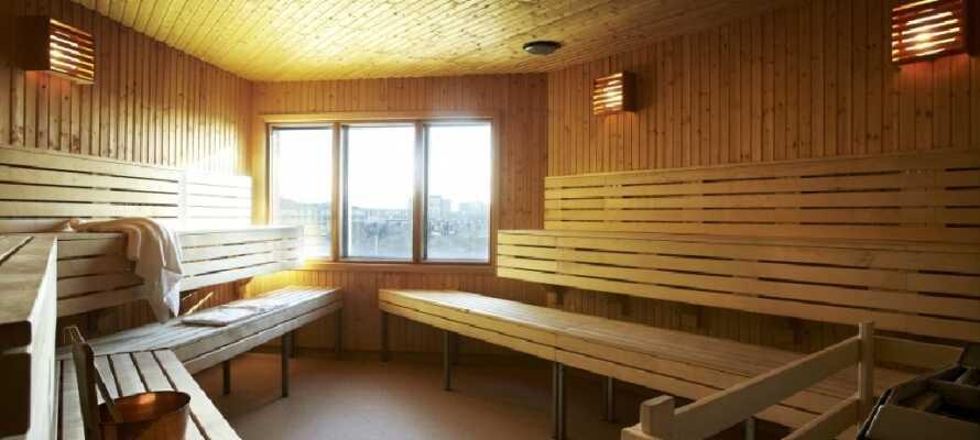 Koppla av i hotellets bastu efter en upplevelserik dag i Helsingborg.