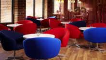I hotellets restaurang serveras såväl internationella rätter som skånska specialiteter.