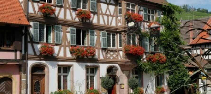 Det hyggelige Hostellerie Des Deus Clefs ligger i en romantisk bygning fra det 15. århundre.
