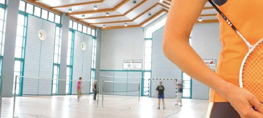 Ta del av det breda aktivitetsutbudet med sporter som golf, badminton och squash.