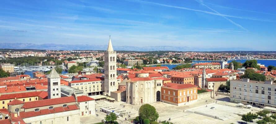 I har blot 30 km. til smukke Zadar, som med sin 3.000 år lange historie har en yderst værdifuld kulturarv.
