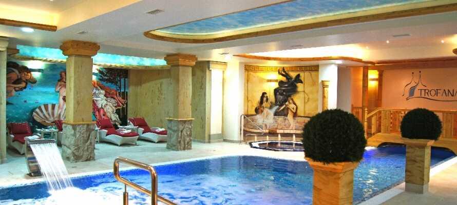 Dere har gratis adgang til basseng, boblebad og dampbad.