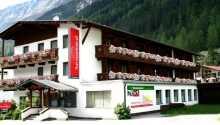 First Mountain Hotel Ötztal ligger i natursköna omgivningar.