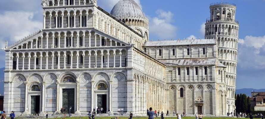 Besøg Pisa og se det Skæve Tårn, som bare er imponerende.