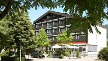 Das charmante Hotel Pflug liegt zentral in der kleinen Stadt Ottenhöfen.
