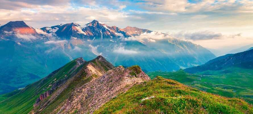 Upplev den vackra naturen kring Großglockner, Österrikes högsta berg.