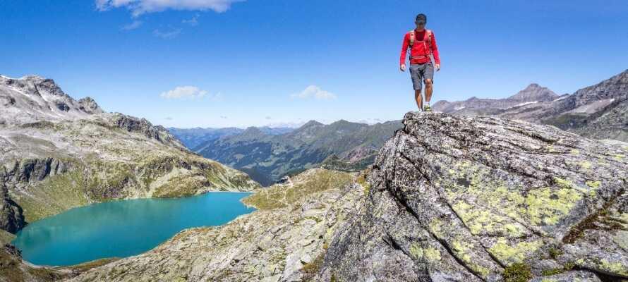Inte långt från hotellet finner ni nationalparken Hohe Tauern, med sitt enastående landskap.