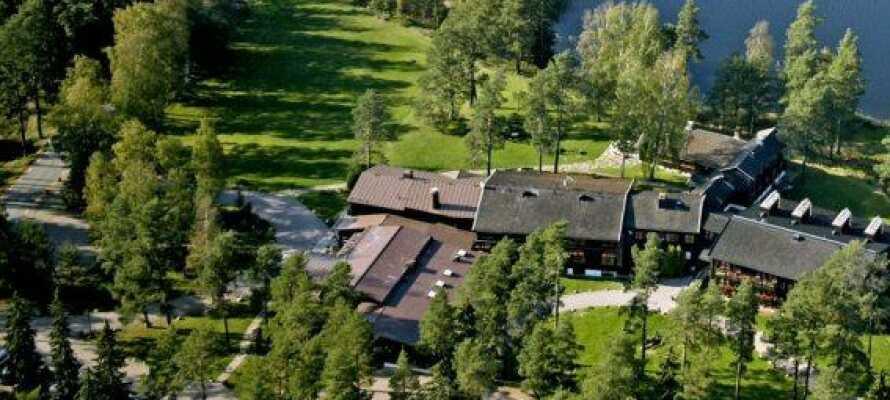 Das Mullsjö Hotell liegt idyllisch in der Nähe vom Mullsee, nur 25 km nordwestlich von Smålands