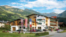 Velkommen til Hotel Aurach som ligger skønt i de tyrolske alper