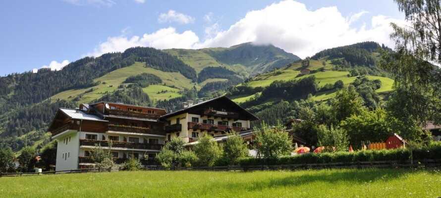 Dere bor midt i naturen, hvor Østerrike har så mye å by på. Gåturer og sykkelturer er det gode muligheter for.