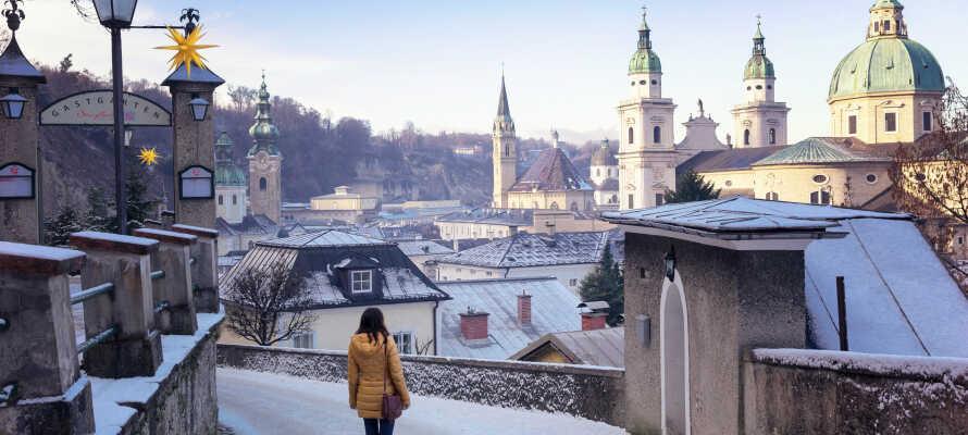 Besök staden Salzburg där Mozart levde och verkade. Se hans hus och många andra sevärdheter!